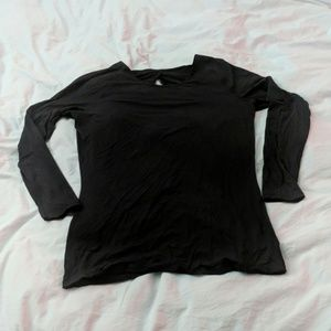 Lululemon black long sleeve w/open back